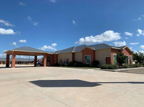 Freer, TX: Exterior