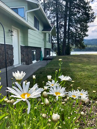 Kettle Falls, WA: The house is on the shore of Lake Roosevelt (limited water access).
