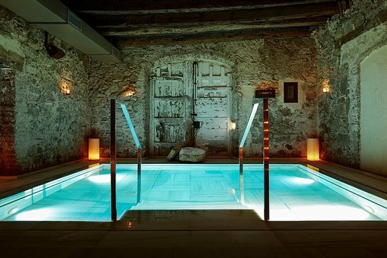 AIRE The Ancient Termal Baths y...