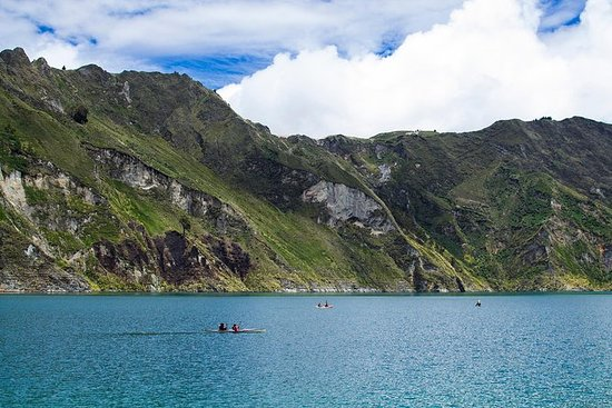 Quilotoa Lagoon + Tigua Private tour