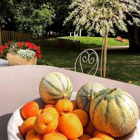 Gezaincourt, Frankrijk: Tous nos fruits et légumes proviennent de producteurs locaux
