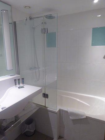 La Doccia Nella Vasca Da Bagno Picture Of Novotel Glasgow Centre