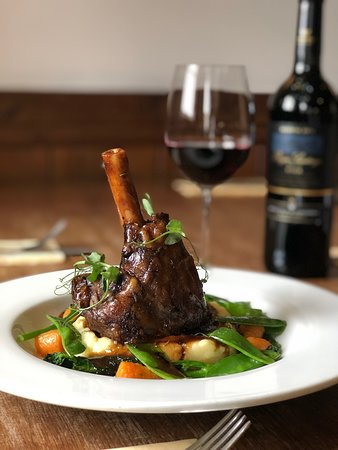 Ashton, UK: Lamb shank
