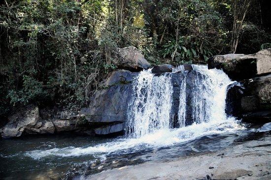 A Cachoeira da Pataca é uma ótima opção de lazer em família e amigos, está localizada à aproximadamente 4 km do centro de Itaguara, a cachoeira é bem arborizada e de fácil acesso.