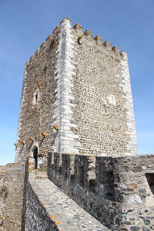 Castle of Portel: Torre Vista de dentro das muralhas