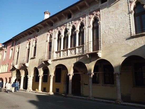 Palazzo Regau