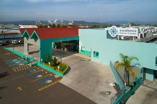 Excellence Express & Suites San Juan del Río