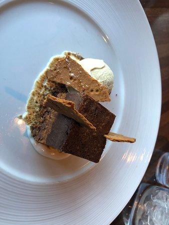 chocolate S'more's dessert