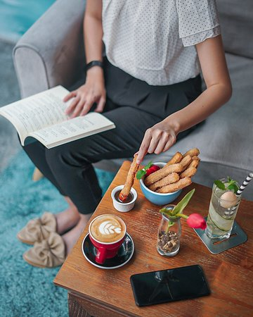 Get cozy and enjoy sweet delights with our Cappucino and Churros. Stop by at Recolta Cafe before you're exploring the island, we're only 9 minutes away from Ngurah Rai Airport! . . . . . .       #Recoltacafe #Recoltabali #recoltaexperience #coffeegelatofood #balieats  Bali Cafe