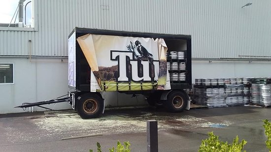 Tui Brewery: The tui trailer used in advertising.