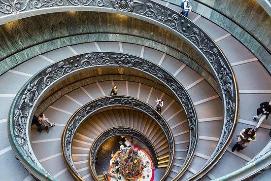バチカン美術館、システィーナ礼拝堂、サンピエトロ大聖堂の3時間のプライベートツア…