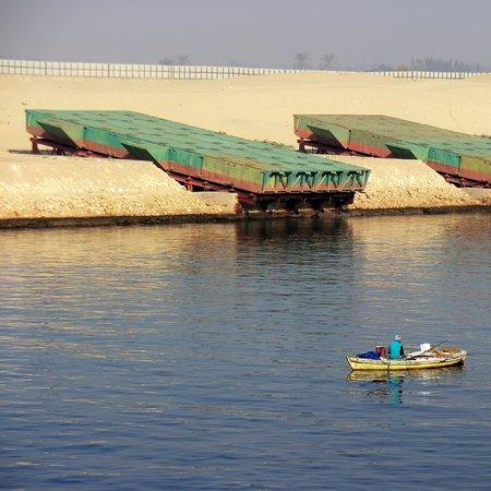 Suezkanal, Ponton, Teile für Behelfsbrücken über den Kanal