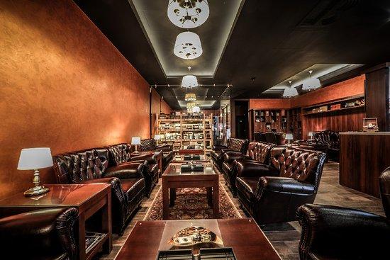 Davidoff Cigars Lounge