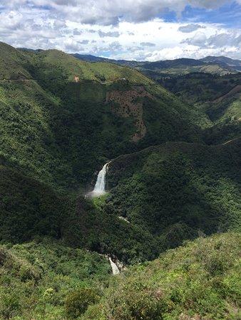 *Amazing Enduro MTB Ride: Un paisaje para  disfrutar de la adrenalina y aventura