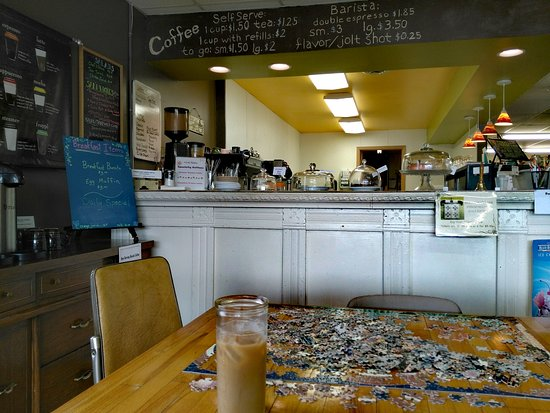 Mountain Lake, MN: Puzzles at Sweet Fields