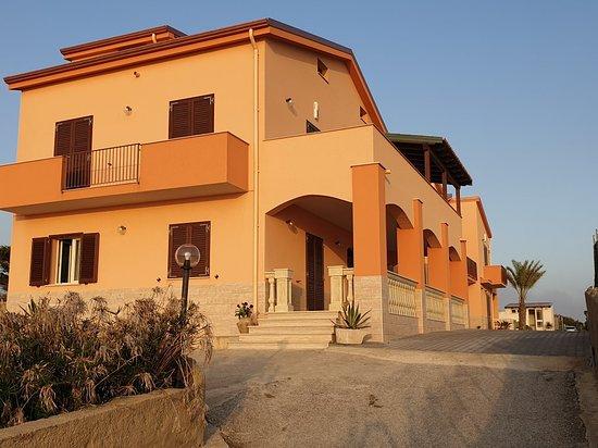Pisciotto - Carrubella, Italia: Carrubella Santa Zita