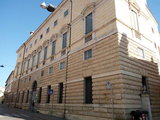 Palazzo Franceschini Folco