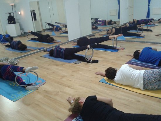 Amigos de Pilates y Yoga Maspalomas: Pilates con aro Pilates mit Reifen