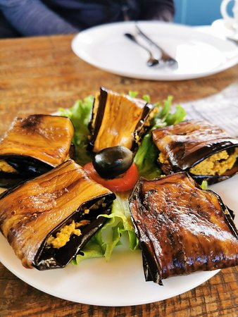 Eggplant with wallnuts