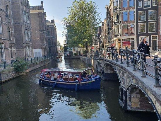 القارب المقدس