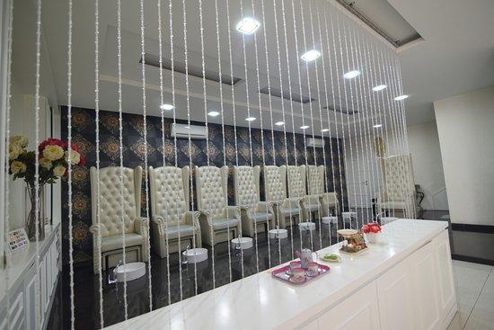 Nagoya, Indonesië: manicure and pedicure room