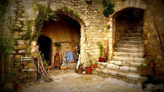 Saint-Montan, France : getlstd_property_photo
