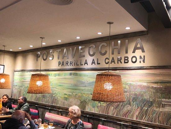 Dentro del Patio de Comidas de Galerias Pacifico sobre la Avda Cordoba; el ambiente acogedor; la comida deliciosa y no se demora demasiado (mi recomendación el ojo de Bife y Chinchulin asado con batatas fritas); una atención bastante cordial; preguntar por Marco.