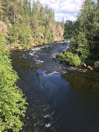 Juuma, Finlandia: Virta vie.