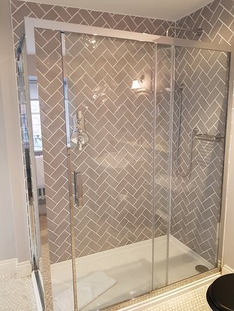 The George Townhouse: Walk in shower.