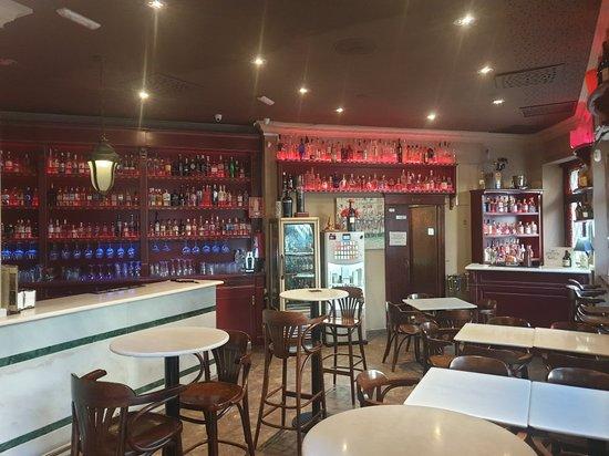 Interior - Doce Gin Club Photo