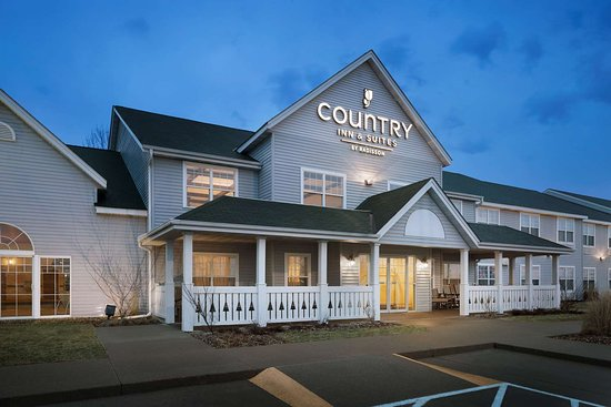 Country Inn Amp Suites By Radisson Grinnell Ia 84