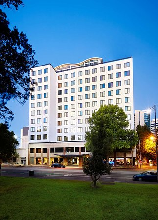 Radisson on Flagstaff Gardens Melbourne Hotel