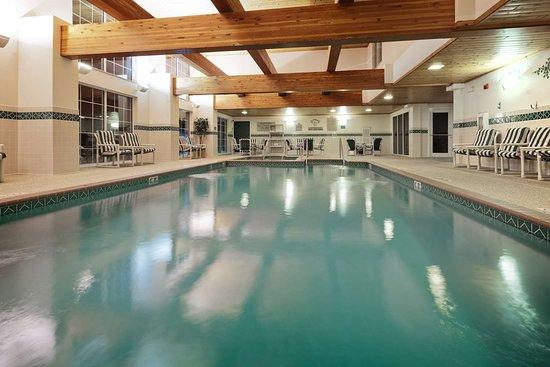Country Inn & Suites by Radisson, Port Washington, WI