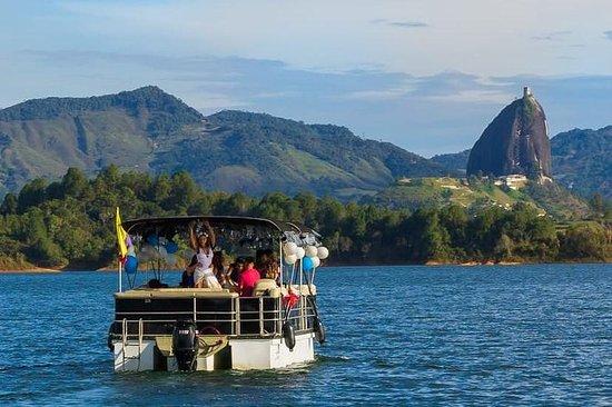Guatape Boat Tour & BBQ Fun Day