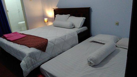 Tumpang, Indonesia: triple bedroom