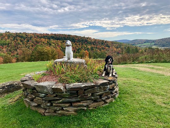 The Dog Chapel Saint Johnsbury Vt Hours Address