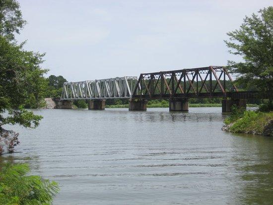 Riverside, AL: Historic railroad bridge across the Coosa River