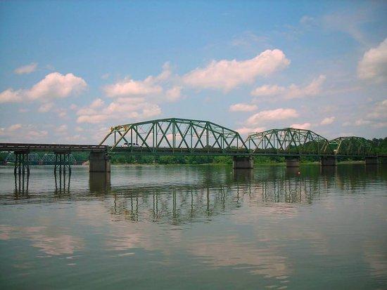 Riverside, AL: Highway 78 bridge across the Coosa River