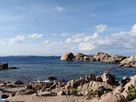 Spiaggia libera Baja Sardinia