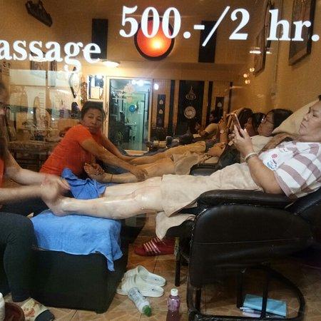 เมื่อยขาเมื่อยตัวคิดถึง..Super Thai massage   นะคะเราพร้อมที่จะดูแลทุกท่านค่ะ