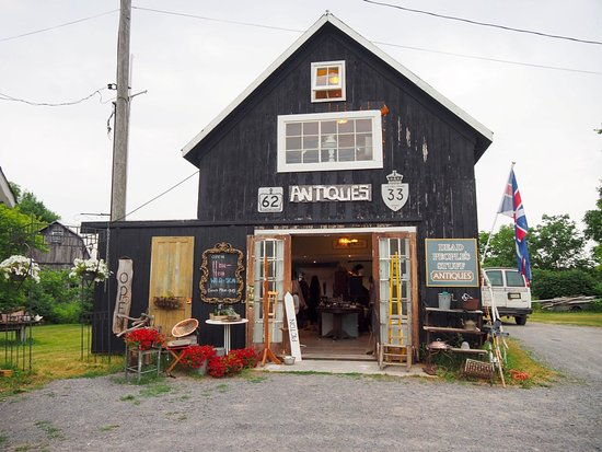 Prince Edward County is a treasure trove for those loving art and artisanal products. Definitely head to the Dead People's Stuff antique store in Bloomfield where you will find pine furniture, old collectibles, and other antiques; plus the little barn housing the shop is absolutely gorgeous!