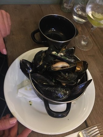 Chacombe, UK: Mussels starter