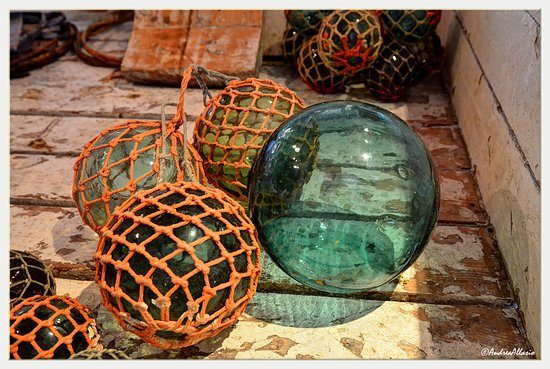 Nusfjord, Norge: wonderful and brilliant glass floats