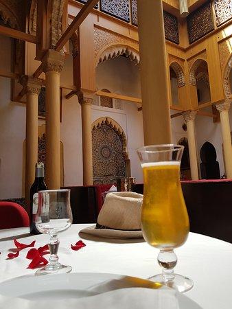 Dinarjat: bière Casablanca en apéro