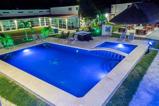 Hotel Stone : Nuestra alberca al aire libre te dejará disfrutar del clima que reina en Acapulco.