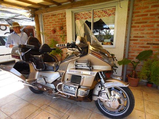 Las Cabras, Chili: Una Moto Honda que parece auto por las prestaciones