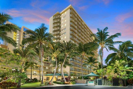 Courtyard by Marriott Waikiki Beach Hotel