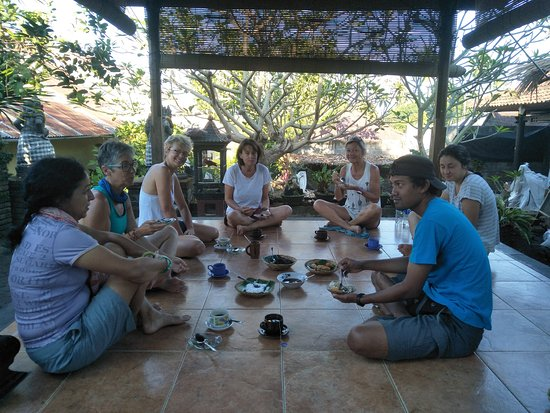 Menyali, Indonesia: breakfast at the gazebo