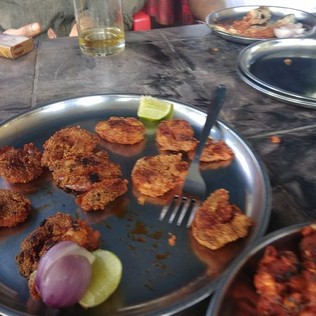 Poliem, India: Authentic Goan style restaurant on the Highway between Karwar and Cancona