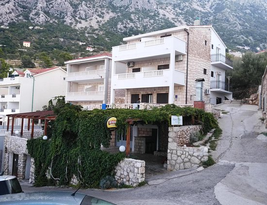 Drasnice, Croatie: View on the restaurant and B&B